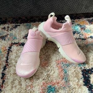 NWOB Nike Presto Extreme SE (GS) Arctic Pink 8.5